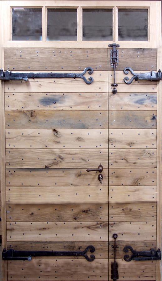 Porte lames en vieux ch ne simple et authentique portes for Porte d entree provencale