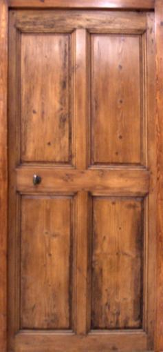 Porte en pin 4 panneaux 18 me si cle patine la cire for Porte 4 panneaux