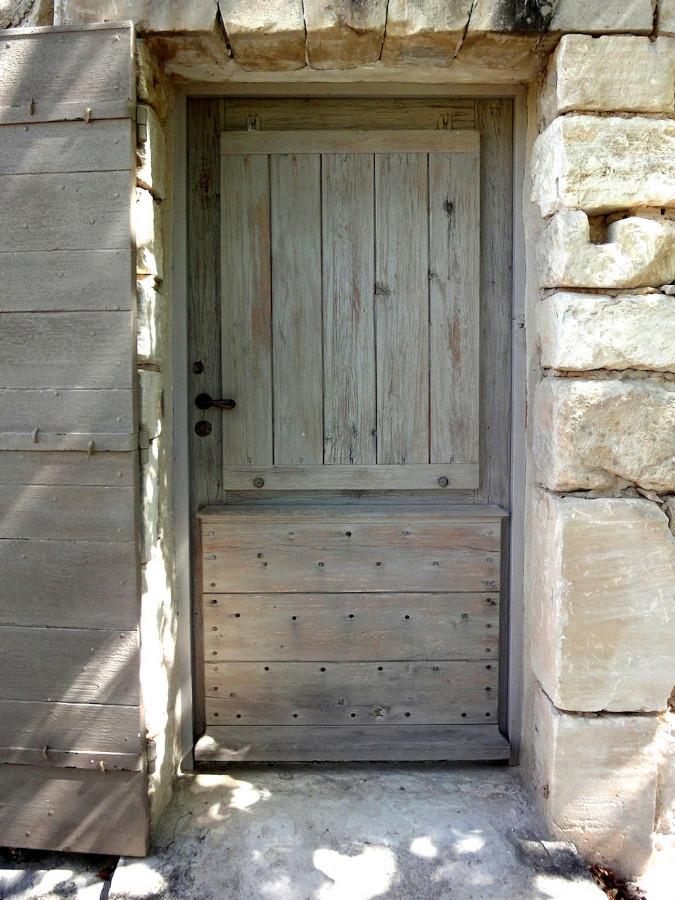 Porte vitrée avec volet à la provençale Portes d\'entree ...