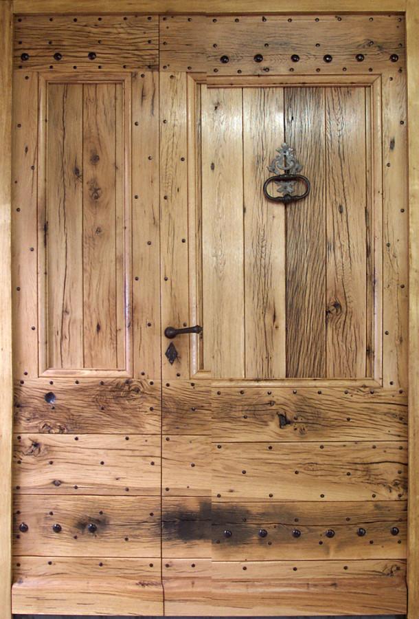 entr e mas tierc e en vieux ch ne portes d 39 entree portes rustiques portes antiques. Black Bedroom Furniture Sets. Home Design Ideas