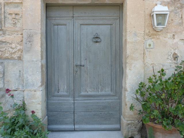 entr e tierc e mas grise portes d 39 entree portes antiques. Black Bedroom Furniture Sets. Home Design Ideas