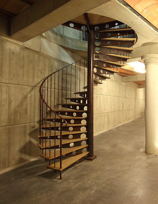 escalier helicoidal bois et fer forge