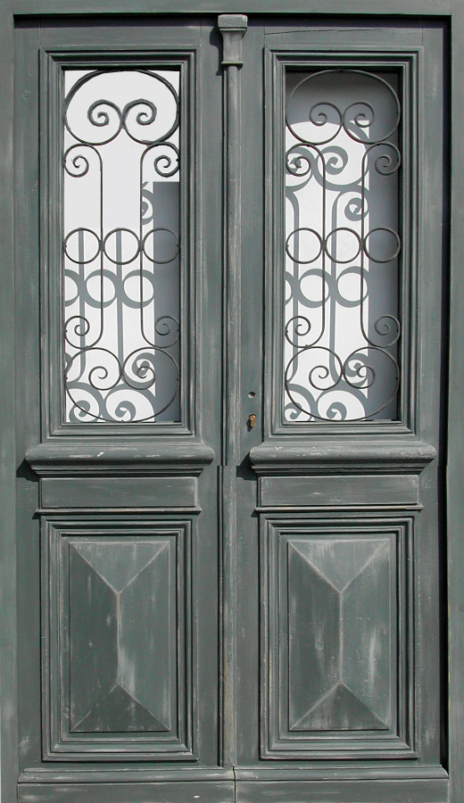 double porte vitr e avec grille portes d 39 entree portes vitr es portes antiques. Black Bedroom Furniture Sets. Home Design Ideas