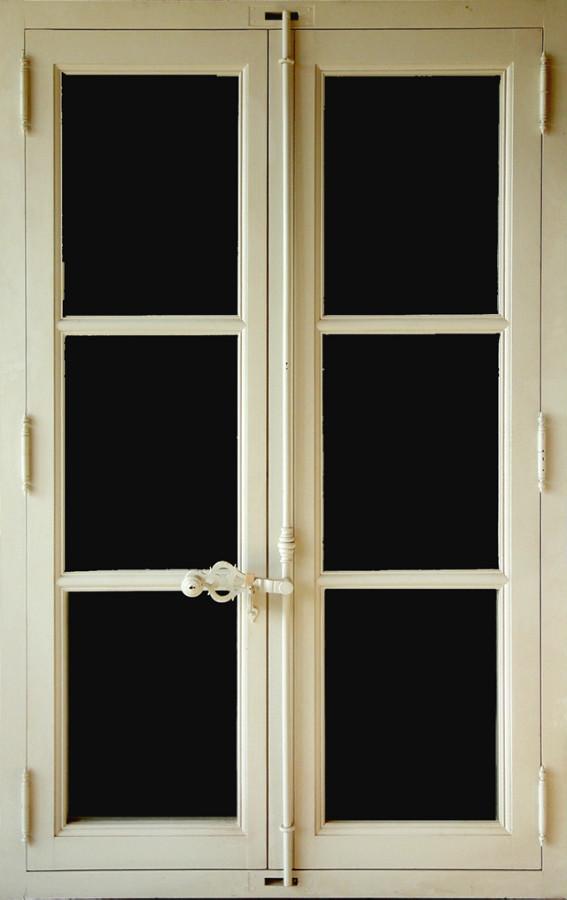 Menuiseries bois porte fen tres et fen tres portes antiques for Porte fenetre bois occasion