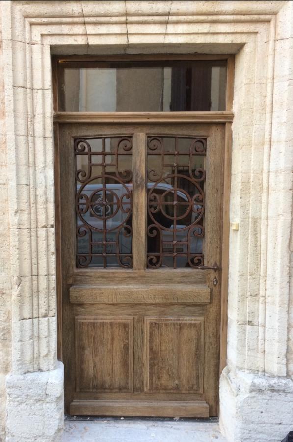Portes d 39 entree fer forg portes antiques for Porte entree fer forge villa